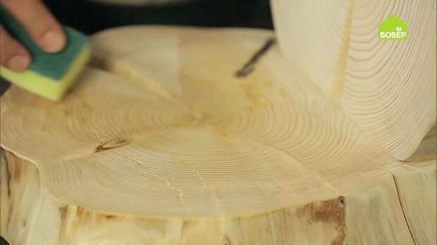 Настольное зеркало из деревянных спилов