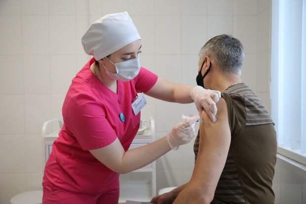 Ученые спорят, понадобятся ли повторные прививки против COVID-19