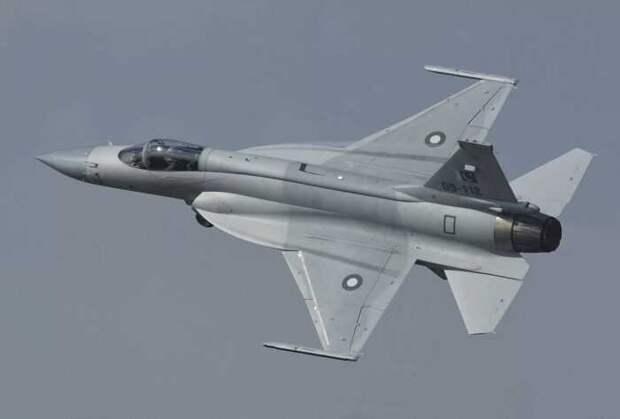 Азербайджан отказался от покупки МиГ-35 в пользу китайско-пакистанских JF-17