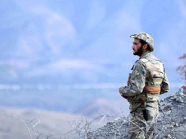 Армянские военные развернули дополнительные позиции на границе с Азербайджаном