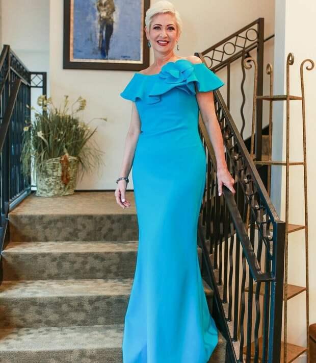 Нарядные и праздничные платья для дам 40 лет: 10 трендовых моделей для зимы 2021