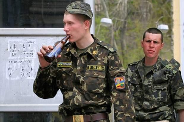 Самоподрыв на самогонном аппарате: командование ВСУ потворствует спаиванию батальонов
