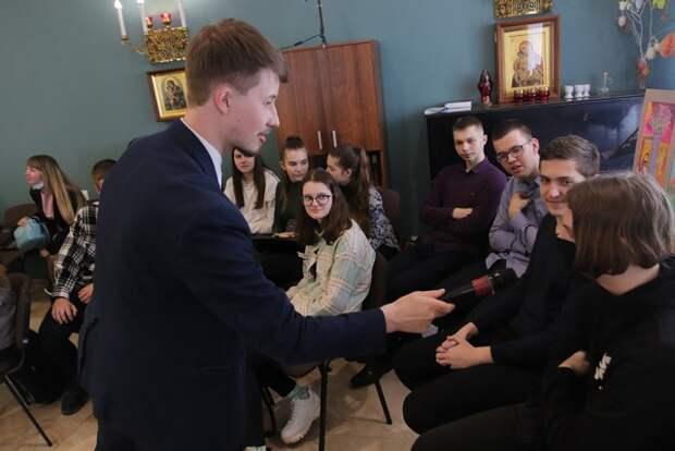 Эксперт из России рассказал бобруйской молодежи о ´Любви, семье и счастье´ на фестивале ´Счастье в детях´.