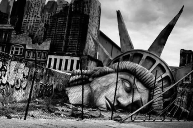 США готовы повторить путь СССР: проблемы в экономике и политике привели к закату империи