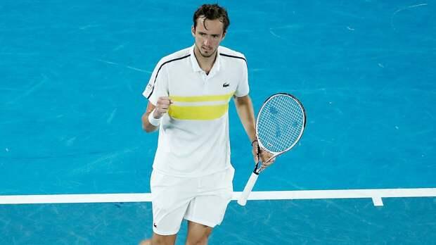 Медведев обыграл Циципаса и вышел в финал Australian Open