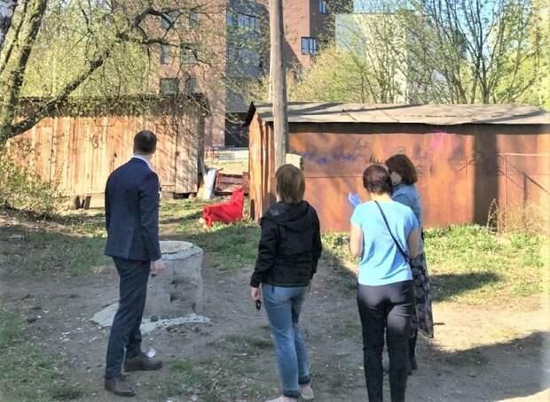 Фонарь в петрозаводском дворе отремонтируют после двух лет жалоб и обращения к президенту