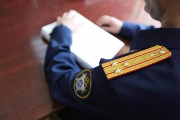 Обвинение предъявили рецидивисту, задушившему мужчину бельевой веревкой в Приангарье
