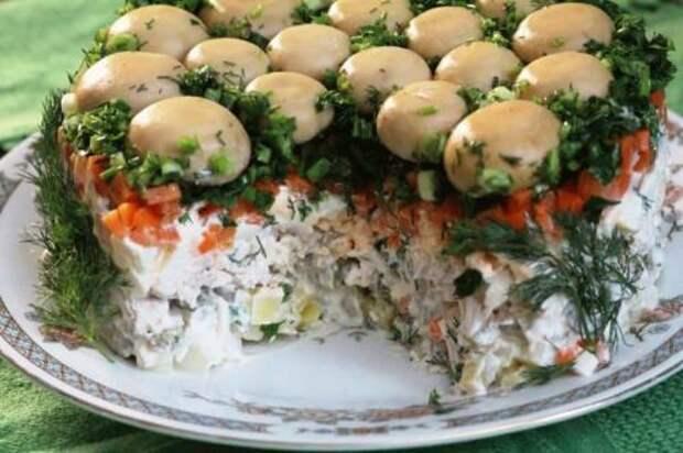 Рецепт обалденного праздничного салата «Грибная поляна»