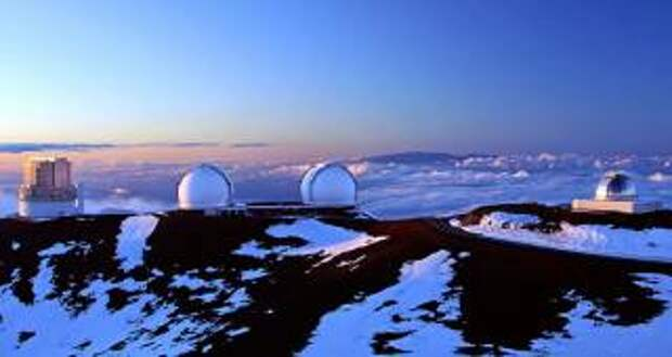 Камера зафиксировала момент вхождения сигарообразного НЛО в атмосферу Земли