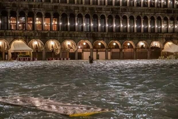 Наводнение в Венеции 2019 (20 фото)
