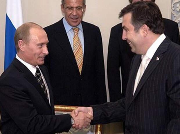 Саакашвили поведал о вонзившем в него ногти Путине