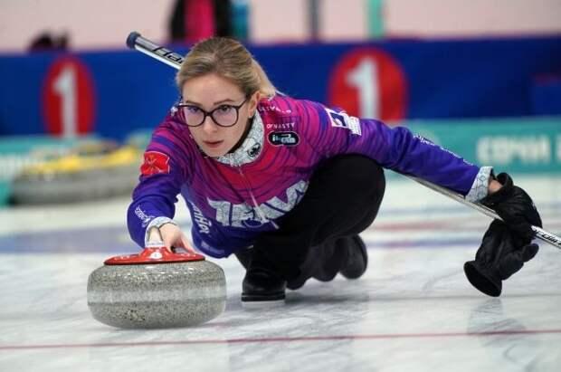 Женская сборная России выиграла восьмой матч подряд на ЧМ по керлингу