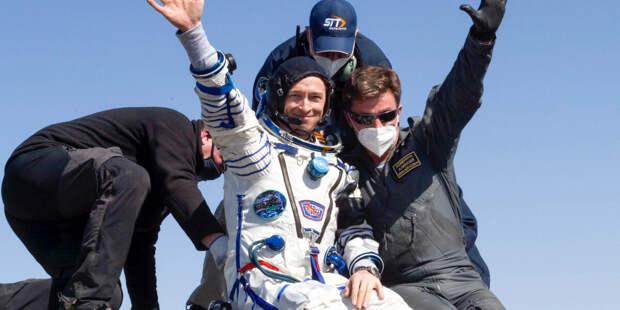 Космонавты рассказали о встрече с родными после полугода на орбите