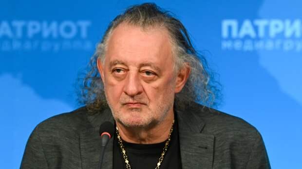 """Владелец галереи Михаил Сасонко высказался об успехе выставки о группе """"Кино"""""""