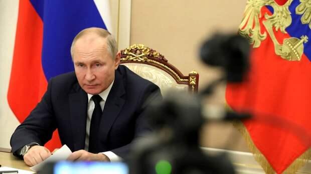 «Медленно, но верно превращают в антипод России»: Путин прокомментировал действия властей Украины против оппозиции