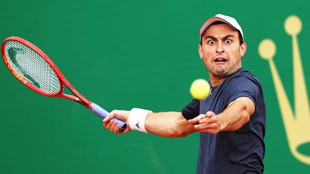 Карацев проиграл Синнеру в 1-м круге турнира в Лионе