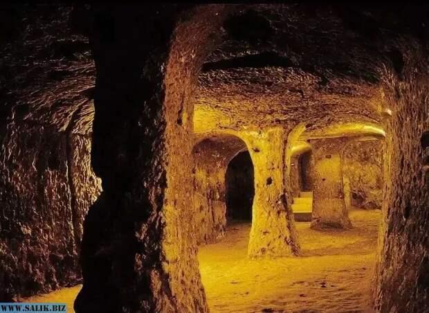 В подземельях Эквадора была обнаружена загадочная библиотека неизвестной науке расы.