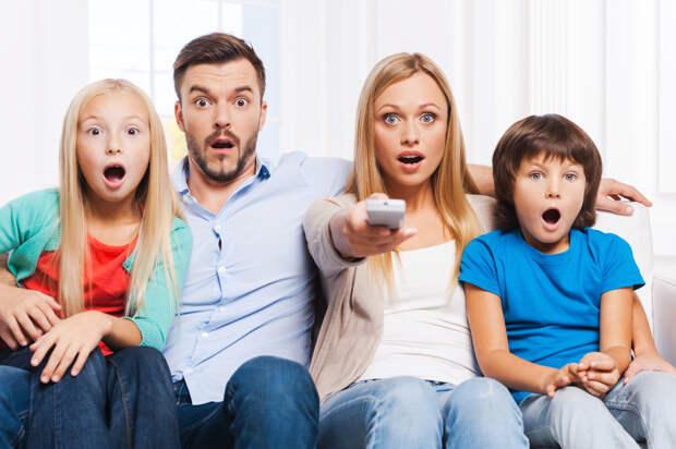 Говорит и показывает: каким отношениям нас учат по телевизору
