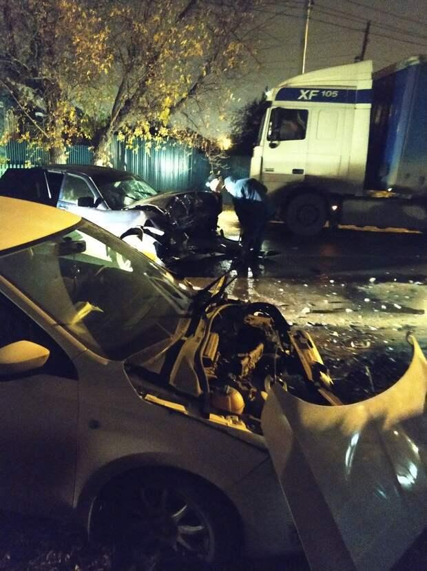 Авария в Ижевске, кроссовки с водой из Иордана и новый тест для водителей: что произошло минувшей ночью