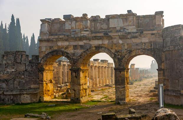 Врата адовы: самые знаменитые «порталы в преисподнюю»