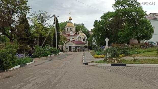 Храмы Севастополя обзавелись специальными терминалами для сбора пожертвований