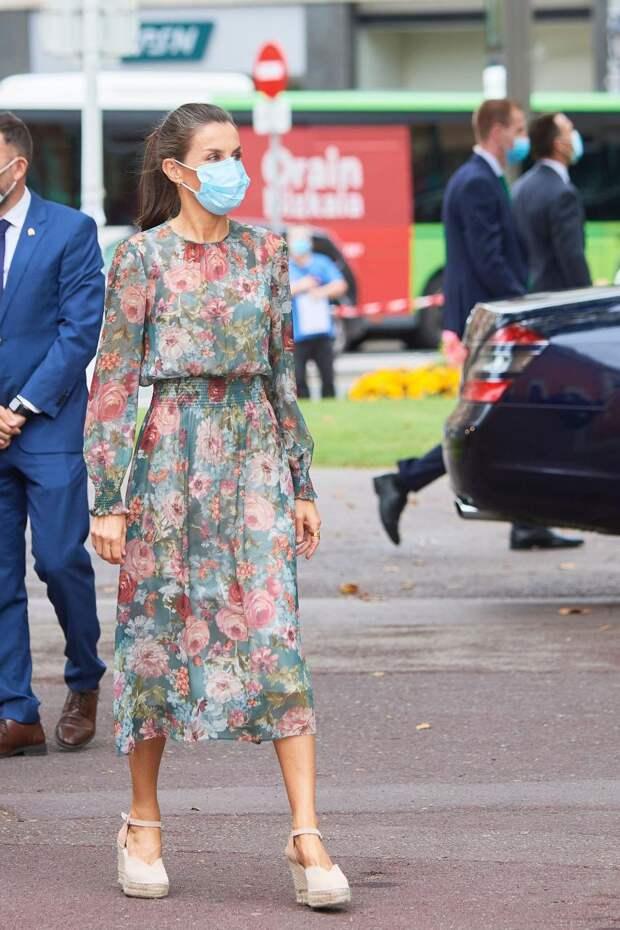 Королева Летиция во время официального визита в Бильбао, 2020