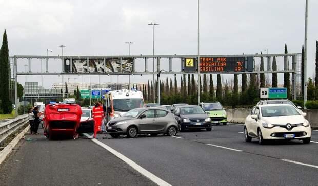 Шесть пассажиров иводитель легковушки погибли вДТП под Самарой