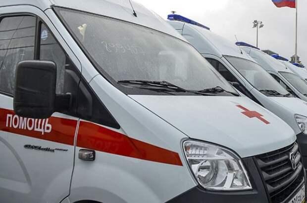 На Камчатке часть кровли жилого дома обрушилась на школьника