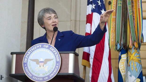 Министр ВВС США решила уйти в отставку