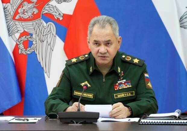 Шойгу заявил о наращивании активности НАТО у южных границ РФ