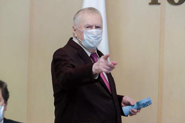Жириновский выступил за приём в вузы только с прививками от COVID