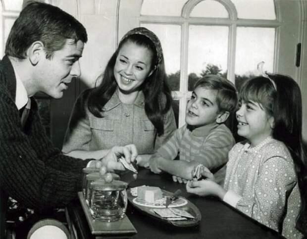 7-летний Джордж Клуни: вырастет и будет выглядеть в точности как его отец, 1968 г.