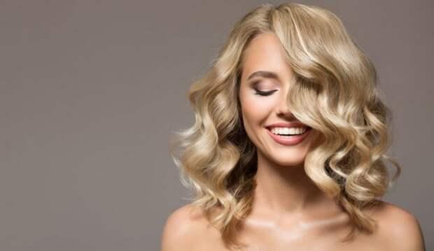 Новогодние прически для блондинок