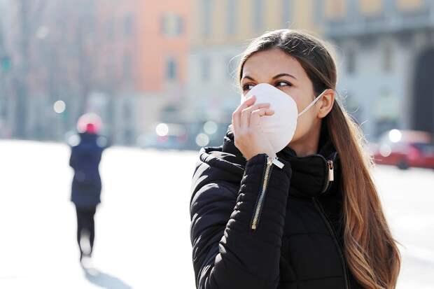 ВМЧС заявили онецелесообразности ношения защитной маски наулице вовремя пандемии коронавируса