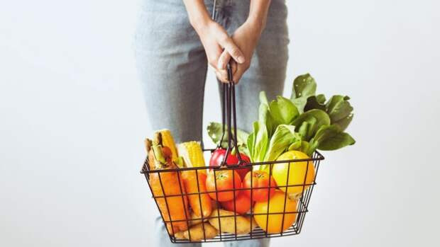 Откажитесь от простых углеводов и сделайте акцент на овощах и фруктах
