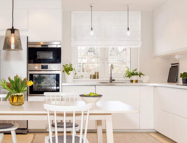 Как зрительно увеличить кухонное окно?