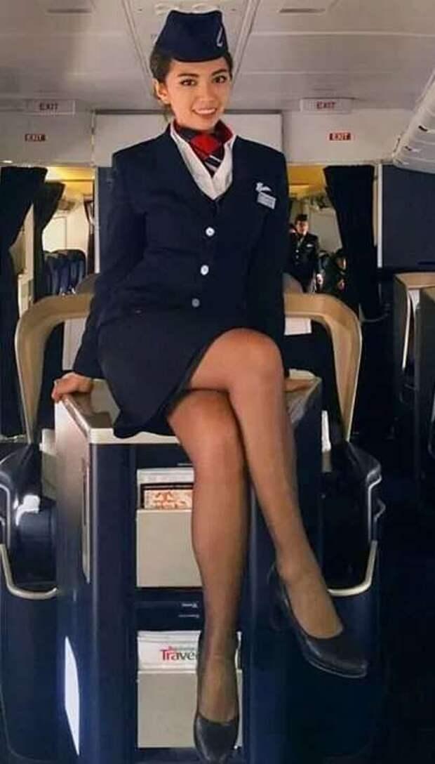 Ножки стюардесс. Подборка chert-poberi-styuardessy-chert-poberi-styuardessy-02020717092021-5 картинка chert-poberi-styuardessy-02020717092021-5