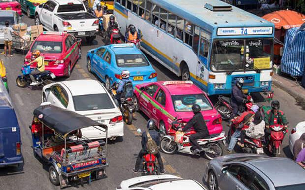 10 нелепых правил дорожного движения со всего света