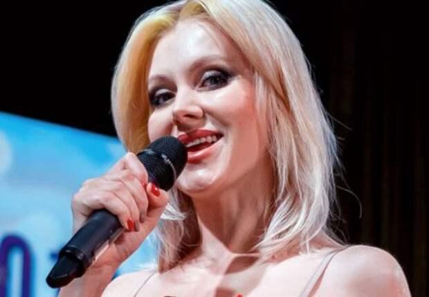 Певицу Натали поздравляют с четвертой беременностью