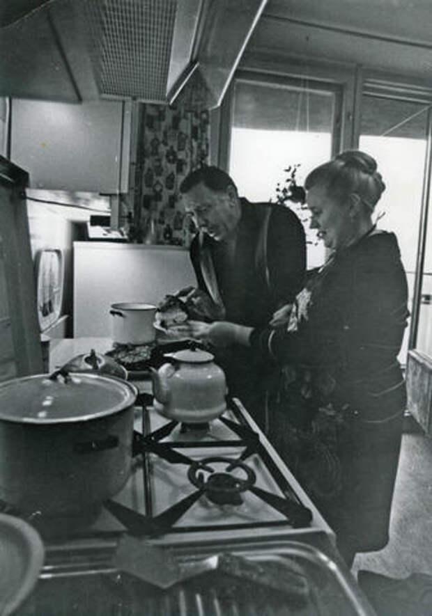 Любимые советские актеры в домашней обстановке.