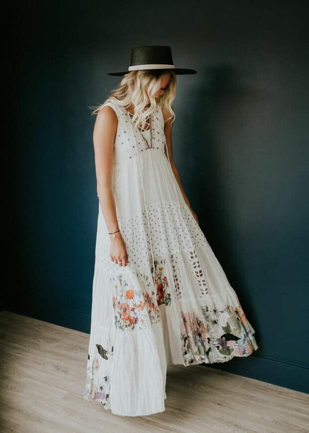 Платье в стиле бохо с кружевной отделкой. /Фото:  i.pinimg.com