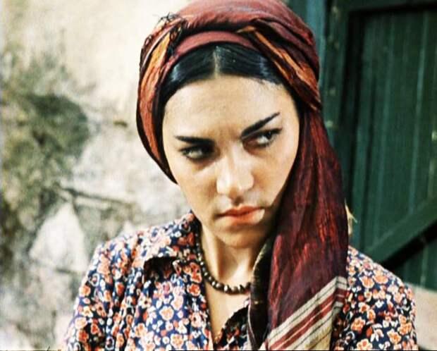 Донара Мкртчян родила актеру двух детей. Кадр из фильма «Кавказская пленница»
