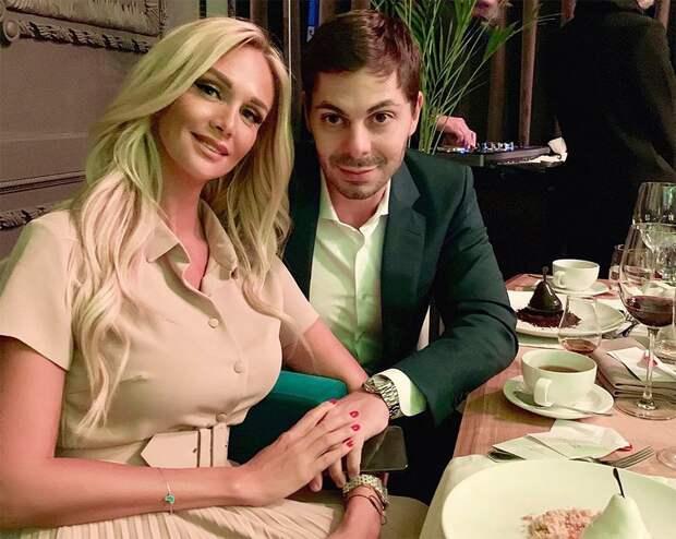 «Как можно было травить беременную женщину?» Посол ЧМ-2018 Виктория Лопырева вышла замуж: фото