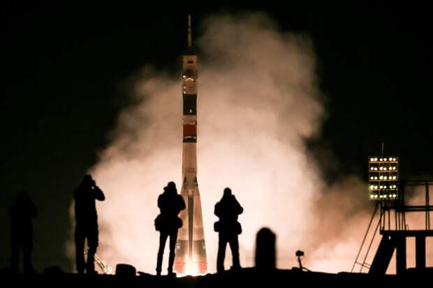 Российские ракетные двигатели - одна из вершин технического прогресса: на них можно долететь хоть куда. Фото: Сергей Савостьянов/ТАСС