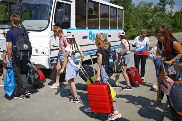 Эксперт назвал среднюю сумму компенсации за путевку в детский лагерь