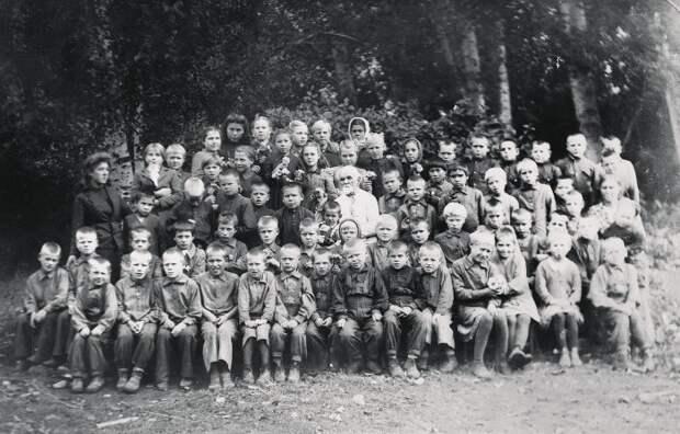 Почему закончил жизнь в одиночестве человек, ставший отцом для сотен детей-сирот: Василий Ершов и его «Муравейник»