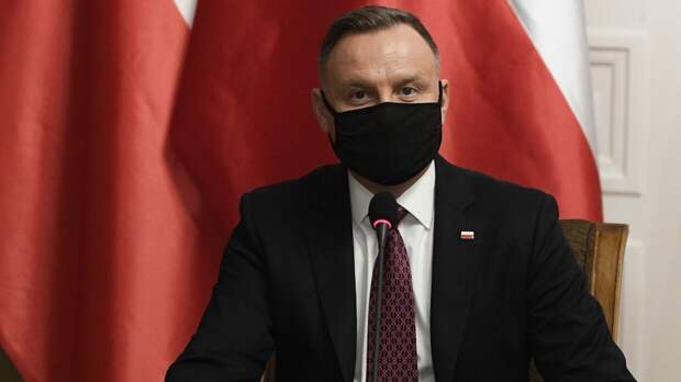 Поляки назвали недостойным поведение президента в отношении России