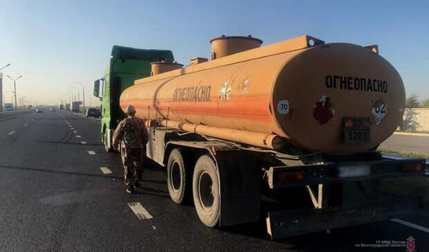 В Волгоградской области отправили в колонию группу нефтяных воров