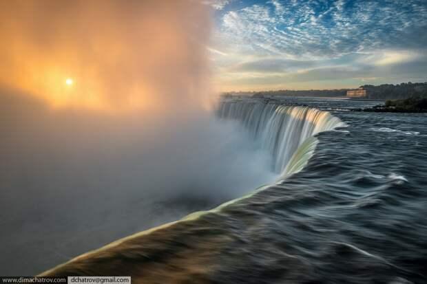 Niagaraoutside01 Ниагарский водопад. Вид изнутри