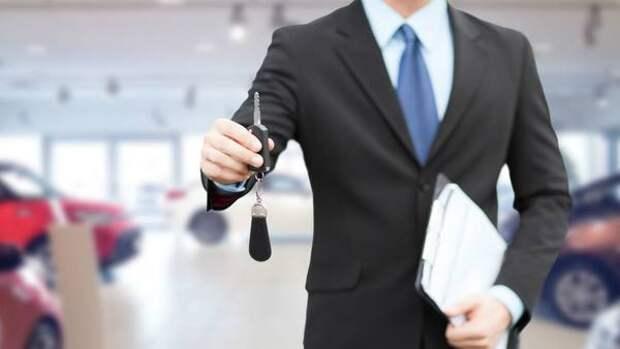 Цены на автомобили в России продолжают стремительно расти